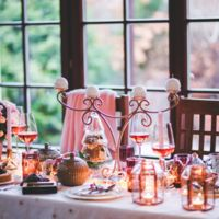 Cómo hacer que una cena familiar con cuñados acabe en una verdadera fiesta gracias a tu móvil