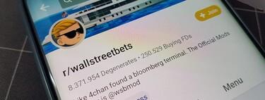 Wall Street le está doblando el brazo a Reddit: las acciones de GameStop caen gracias a que se ha hecho casi imposible comprar