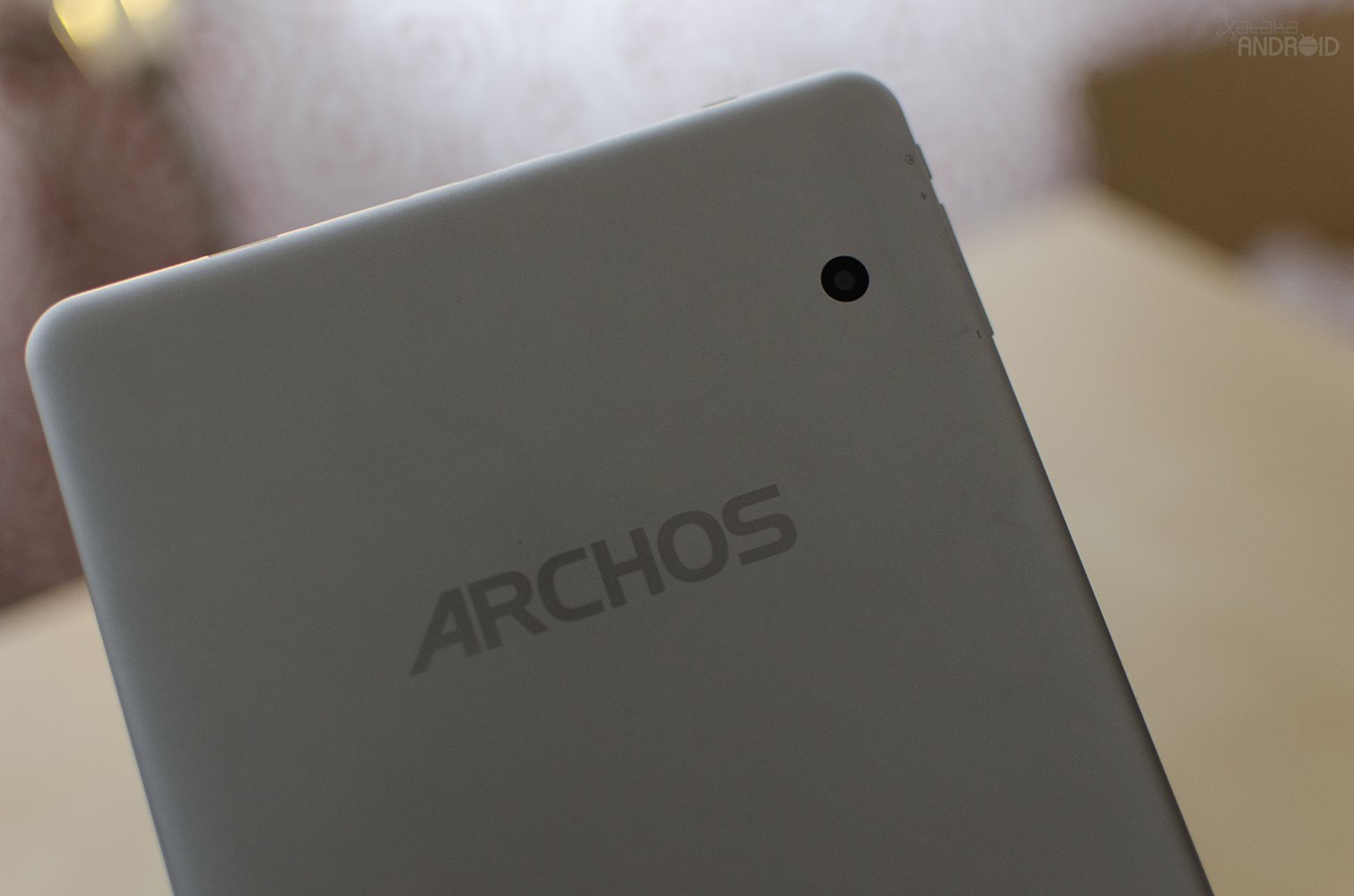 Archos 80b Platinum, diseño