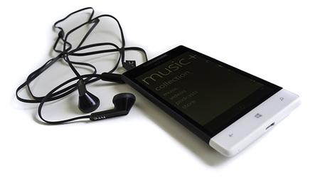 HTC 8S, un pequeño con Windows Phone 8 pasa por nuestras manos