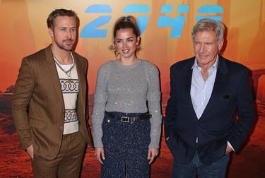 Ana de Armas elige a Chanel para presentar su nueva película en París y acierta de pleno
