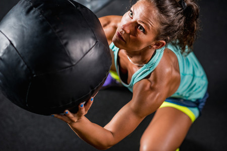 Los once mejores ejercicios para entrenar tus hombros en el gimnasio