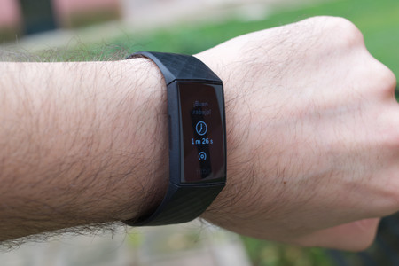 Fitbit Charge 4 30