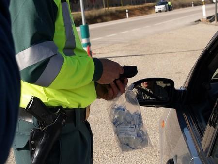 Pleno en drogotest y bonus por alcoholemia: 2.000 euros y 12 puntos de multa para el irresponsable del año