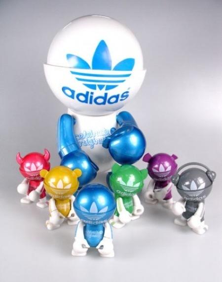 Toy Trexi Adidas para festejar el aniversario de la marca