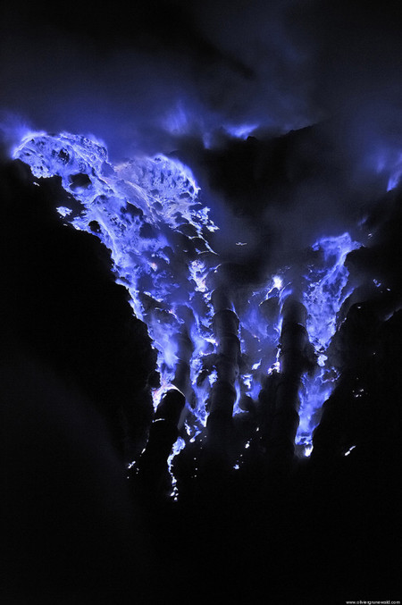 O Blue Lava 4 900 681x1024