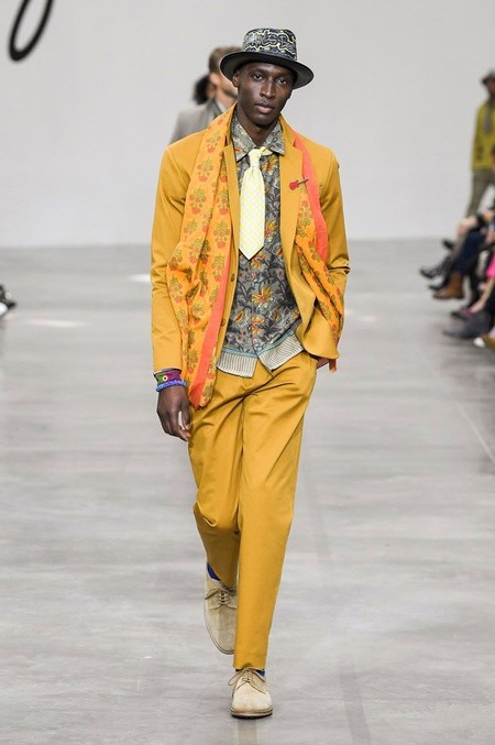 Harry Styles Yellow Suit Trend Spring Summer 2020 Trendencias Hombre 02