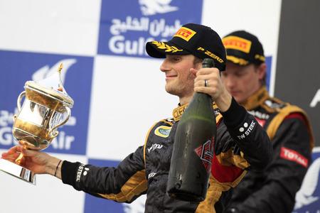 Jean Alesi pide calma para Romain Grosjean