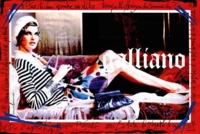 John Galliano sigue siendo pop en sus campañas, ahora con Linda Evangelista