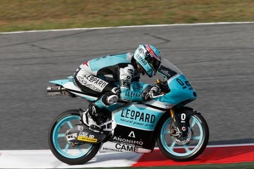 MotoGP Catalunya 2015: Danny Kent sale todavía más líder