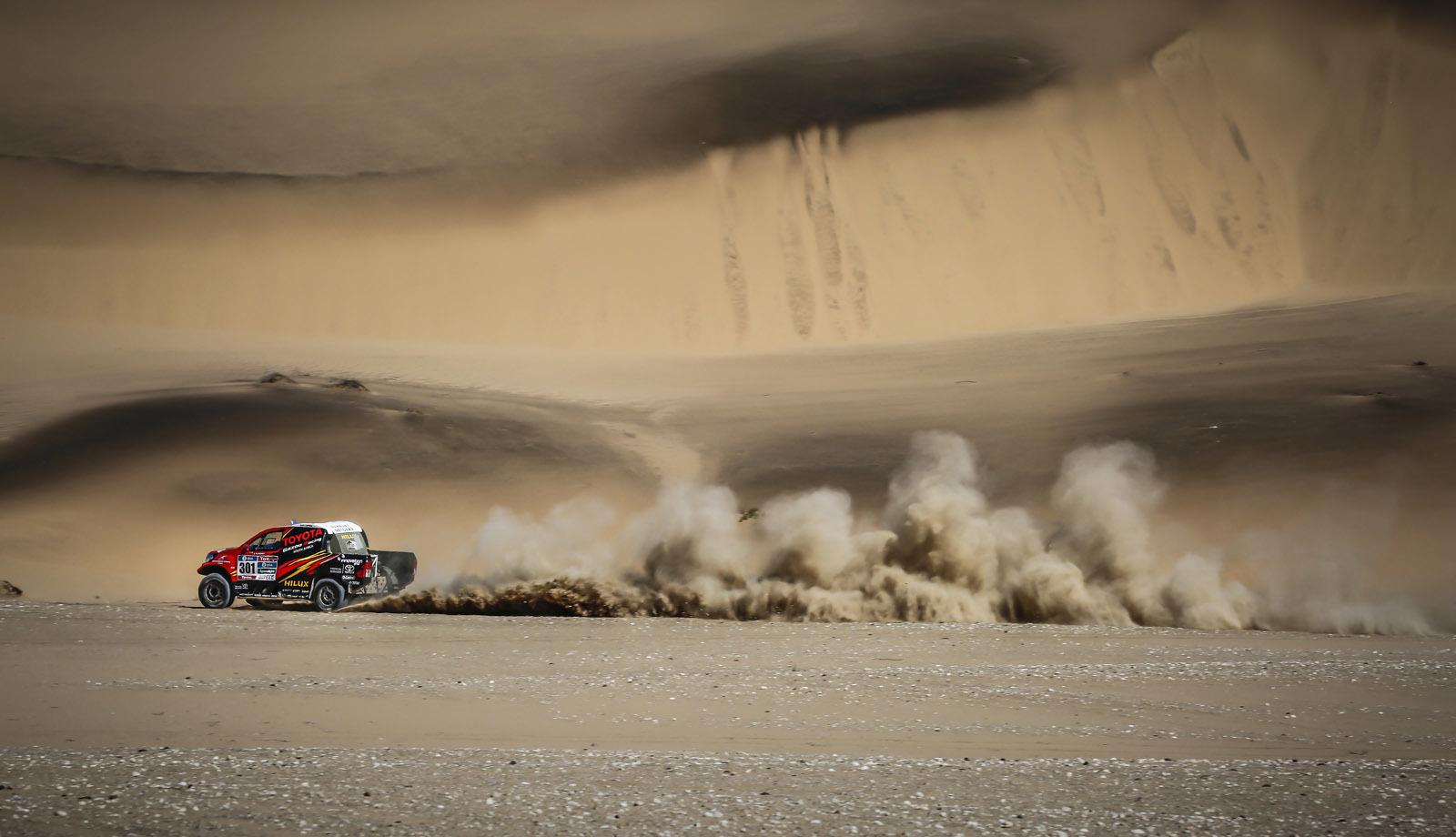 Foto de Toyota Hilux 2016 Namibia (38/74)