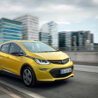 Corre como un OPC, gasta como un Tesla y roza los 500 km de autonomía. Así es el Opel Ampera-e