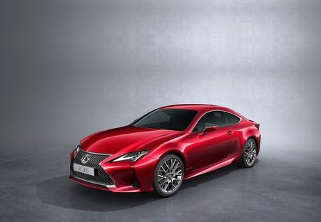 Lexus RC 2019: Un coupé muy elegante y con motor híbrido, ahora mejor equipado y materiales realmente premium