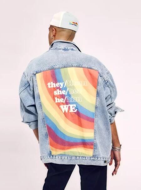 Captura De Pantalla 2021 06 01 A Las 8 48 12con OutRight Action International, una organización que trabaja para promover los derechos de las personas LGBTQIA en todo el mundo. El 100% de los ingresos netos de la colección Levi's® Pride 2021 se destinará a OutRight Action International.