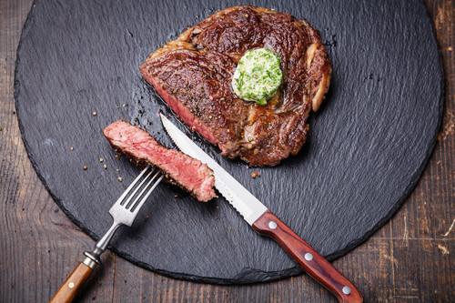 Consejos para comer fuera de casa y seguir perdiendo grasa