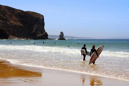 Las mejores playas para hacer surf en España y Portugal