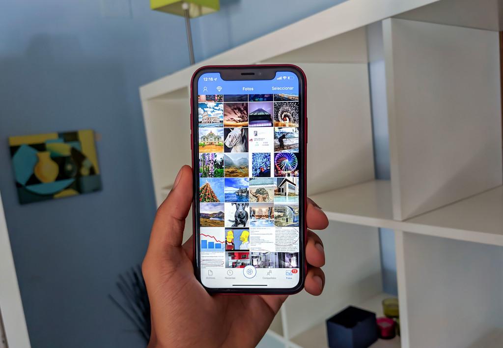 Cómo subir fotos de forma automática a OneDrive, la alternativa de Microsoft a iCloud y Google Fotos