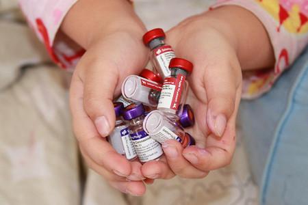 Comercializada en España la primera vacuna pediátrica hexavalente en presentación líquida
