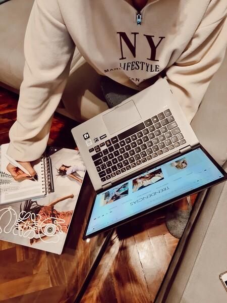 Probamos el ordenador portátil convertible LG Gram: un 'dos en uno' muy cómodo de llevar de un lado a otro (perfecto para los que teletrabajan)