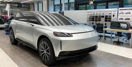 Dyson revela todos los secretos de su frustrado coche eléctrico en un vídeo que lo muestra por primera vez en movimiento