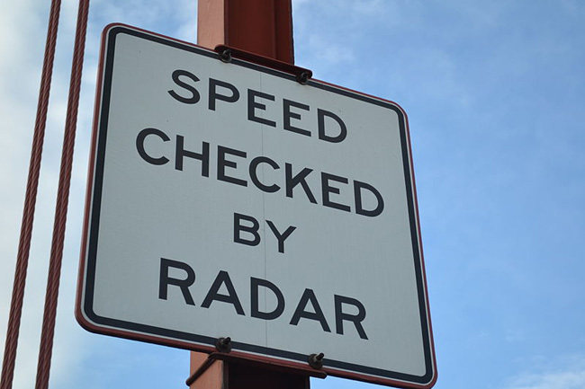 Aviso de radar en el Golden Gate