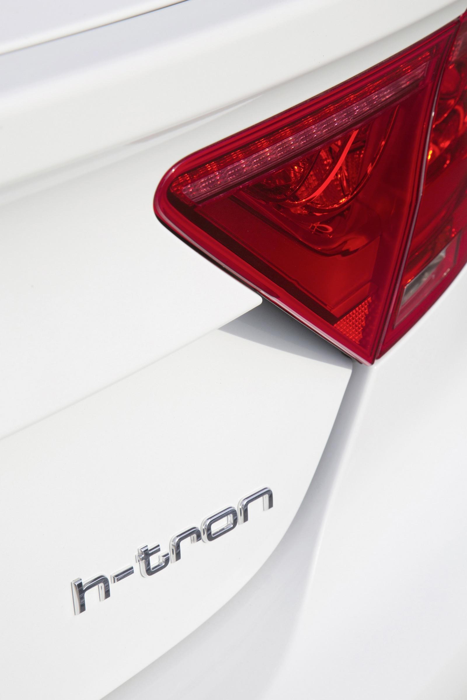 Foto de Audi A7 Sportback h-tron quattro (39/49)