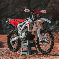 La Fantic XEF 250 Enduro nace fruto de la colaboración con Yamaha y su motor de cuatro tiempos