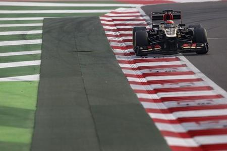 La batalla entre Romain Grosjean y Kimi Räikkönen, uno de los momentos del GP de India