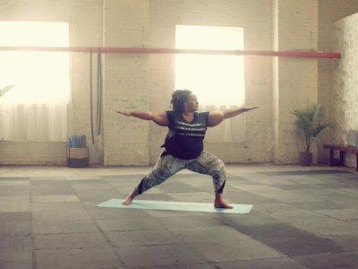 Las mujeres con sobrepeso también pueden practicar yoga