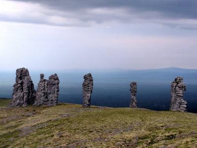 Manpupuner, los siete gigantes de la meseta rusa