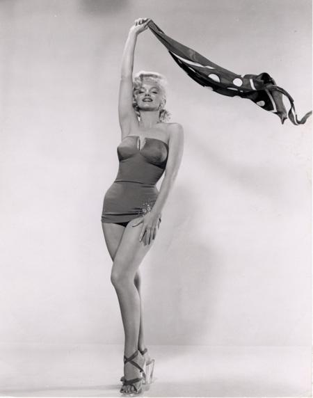 Marilyn monroe la diva de las 1000 exposiciones no todas - Naomi curtis diva futura ...