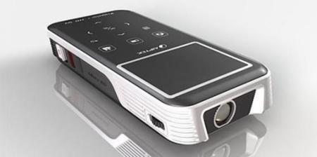 Aiptek PocketCinema Z20, interesante picoproyector con cámara HD integrada