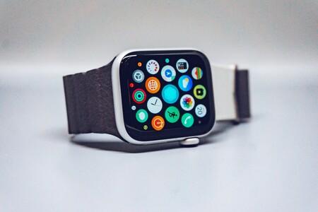 Cómo cambiar la visualización de apps entre el modo mosaico o lista en watchOS 7