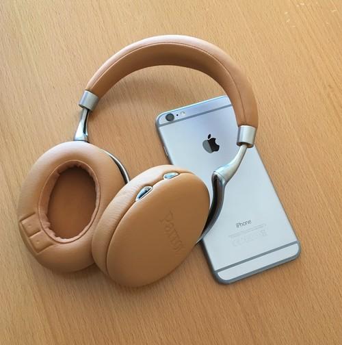 Un paseo por los Parrot Zik 3, los auriculares más 'techies' para el iPhone