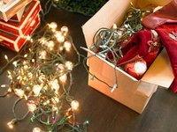 Cómo colgar las luces del árbol de Navidad
