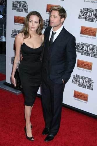 Angelina y Brad en la premieré de El asesinato de Jesse James...