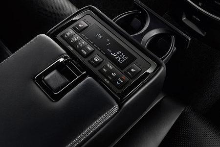 Lexus-GS450h-Rear_Seat_Heat
