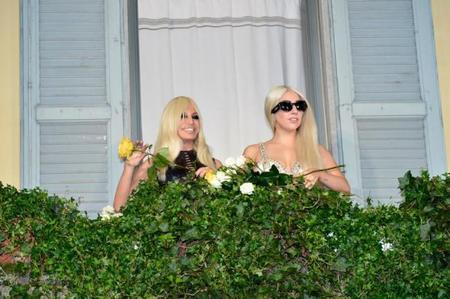 Lady Gaga y Donatella Versace, amigas intis de tourné por Milán