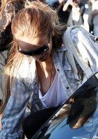 Lindsay Lohan enseña un pezón