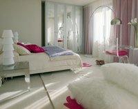 Decorar con muebles transparentes para ganar espacio visual