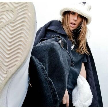 Blanca Suárez da la bienvenida al otoño con una sobrecamisa de pana y un gorro bucket de borreguito de la colección Kangol x H&M