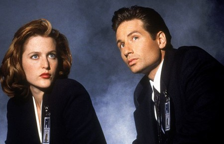Mulder And Scully X Files 700x450