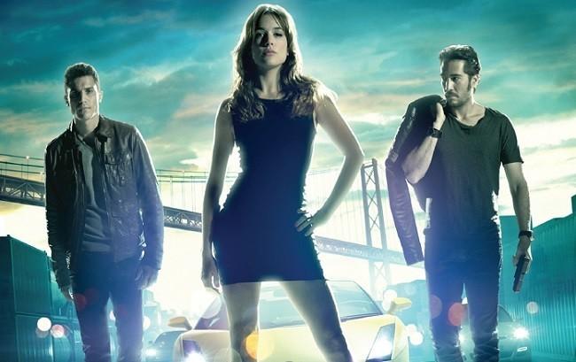 Imagen con el cartel de la película 'Combustión'