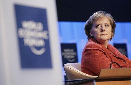Merkel intenta calmar a los mercados ante los rumores sobre España