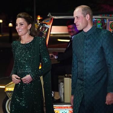 Kate Middleton deja las túnicas y luce un vestido de Jenny Packham para la primera cena de gala en Pakistán