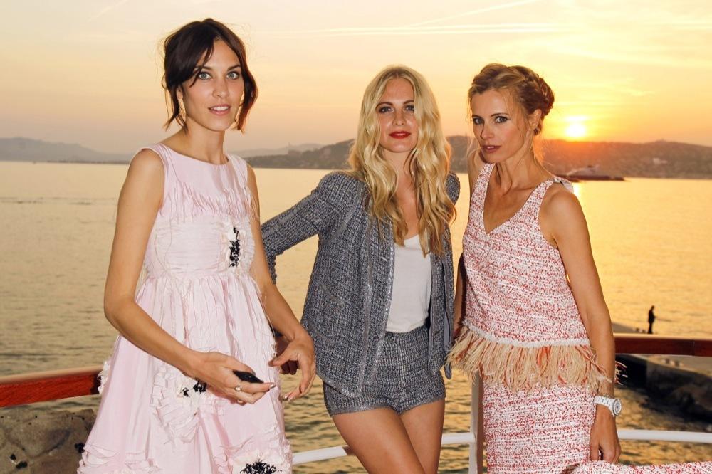 Foto de Las bellezas fieles de Chanel en el front row de la colección Crucero 2012 (7/23)