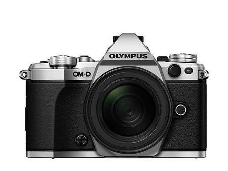 Olympus OM-D E-M5 Mark II: una renovación con potente estabilizador y mejoras en vídeo