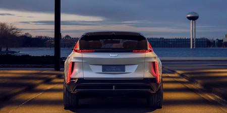 Cadillac Lyriq Trasera 01