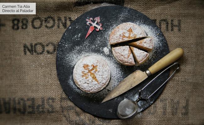 Cómo hacer tarta de Santiago en formato individual: receta tradicional con vídeo incluido