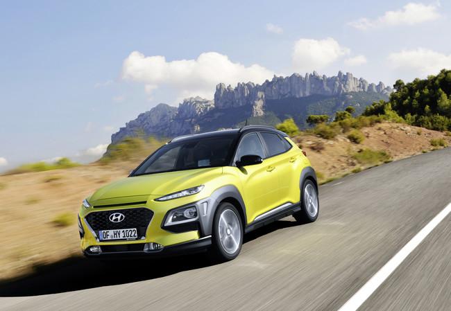 Al volante del Hyundai Kona, un cómodo y capaz SUV compacto que pronto será también eléctrico